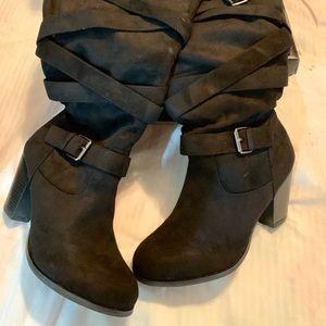 Black knee high boots NWT Torrid